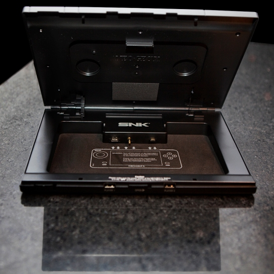 Neo Geo X Gold Limited Edition System Case Open plugin