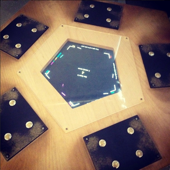 5-player pong