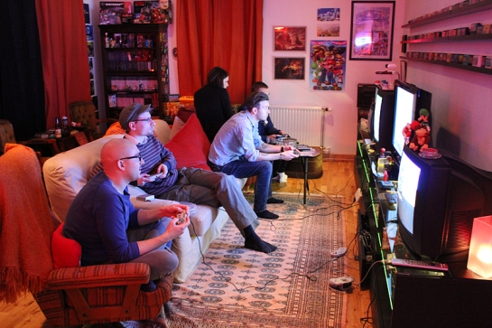 Gaming at Retro Rumble © x MissDeLuxe x