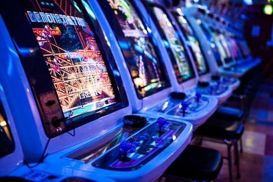 Akihabara - arcades 16-bit shooters