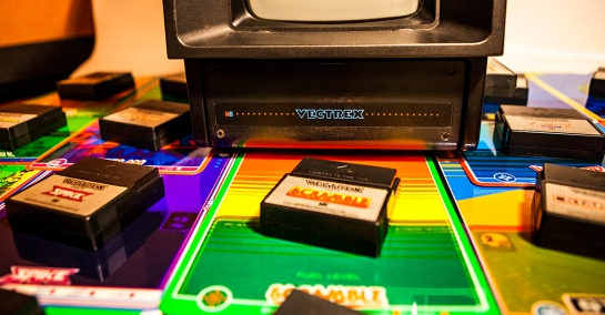 Vectrex-and-games_1K