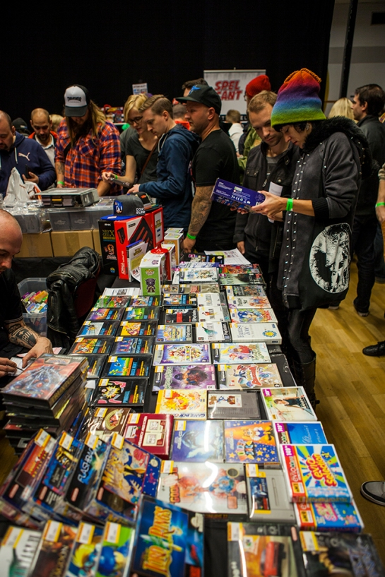 RetroGathering2014-game-sale1