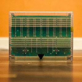 Neo-Geo-MVS-transparent-cartridge