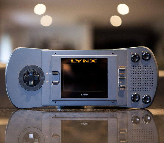 Atari-Lynx-1