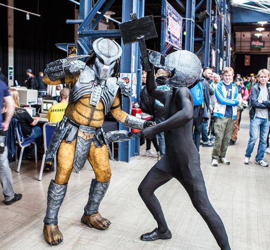 rsm-2015-cosplay-predator-vs-game-&-watch-man