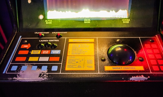 Game-Masters---Arcade-Missile-Command-controls