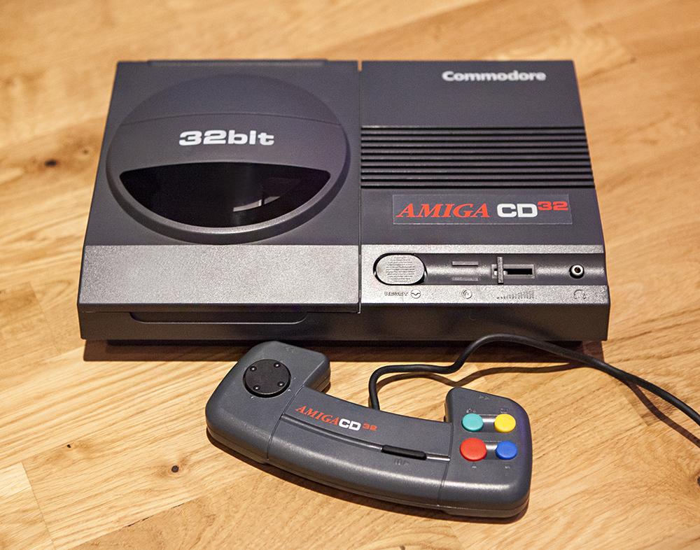 Commodore Amiga CD32 console