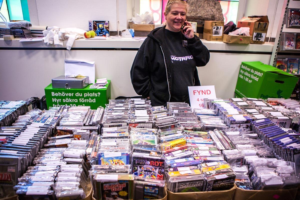 Motaro selling loads of retro games