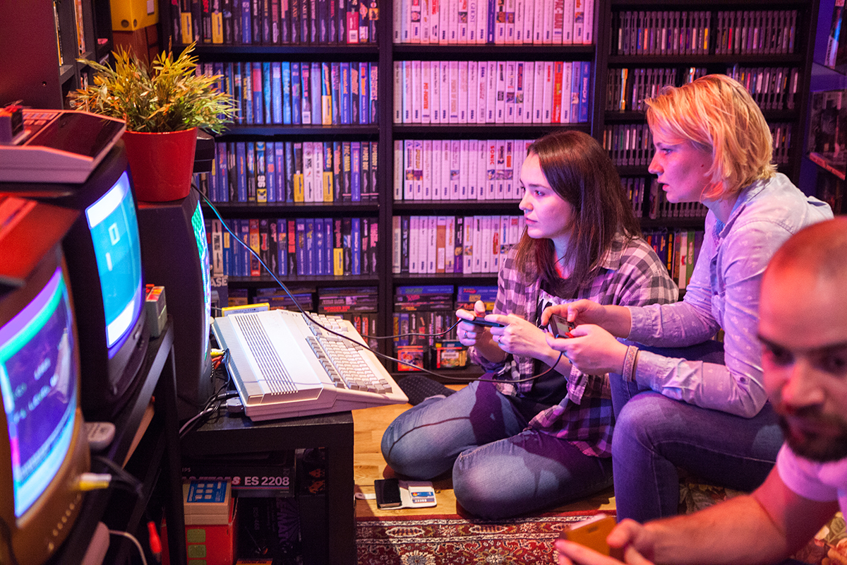 Intense Dr. Mario gaming at Retro Rumble